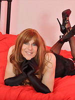 A very sexy TGirl with a gorgeous smile to match that classic look.